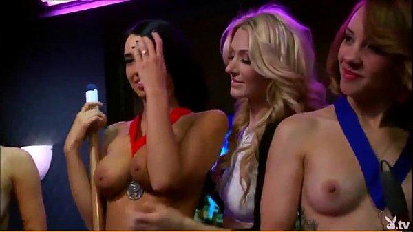Nude paris roxanne Paris Roxanne